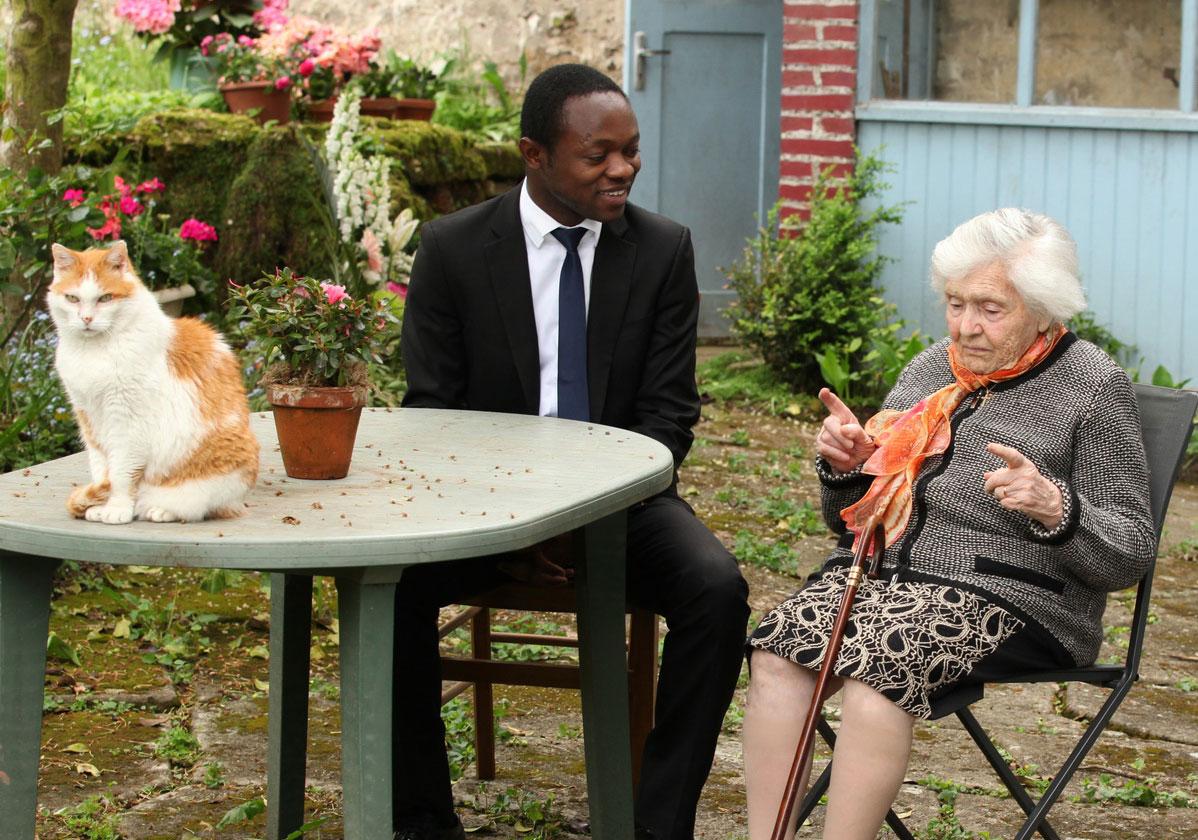 人間性をつなげ合う、学生と高齢者の同居支援事業
